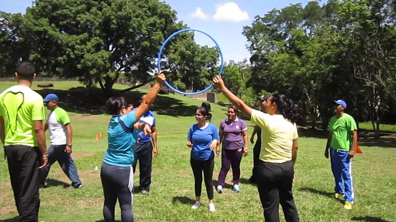 juegos grupales al aire libre para jovenes