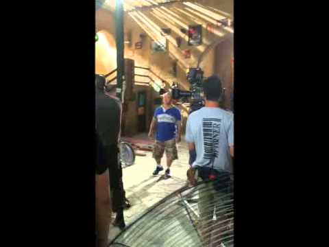 Download HollyWood Yi ShiXiong(Seanyi) directing for Steven Seagal and Mike Tyson.