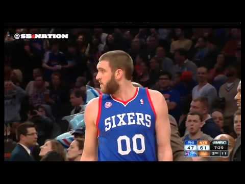 Tyson Chandler, Spencer Hawes fight