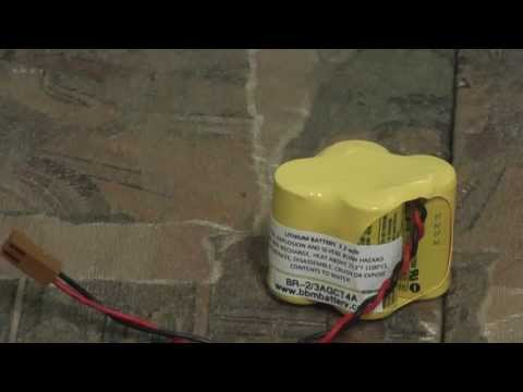 SCRUBBING ROBOT IROBOT SCOOBA 450 WASHING CATCHUP AND MUSTARD (BRAZIL) from YouTube · Duration:  3 minutes 2 seconds