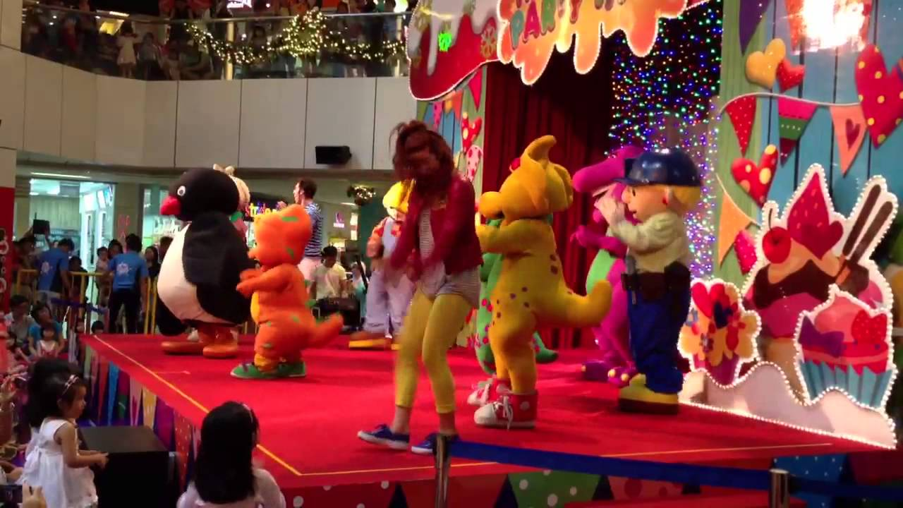Barney At United Square Singapore 2012