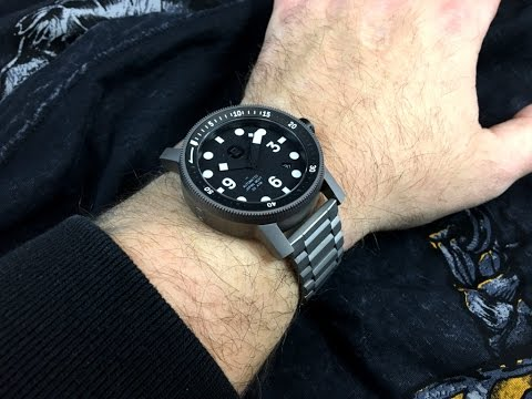Minus 8 Diver : Lightweight and automatic
