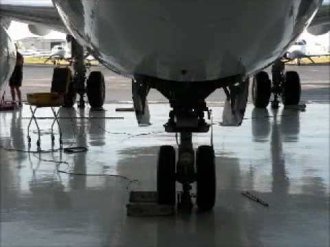 Weigh a Boeing 737 in less than 60 minutes - YouTube - how would you weigh a plane without scales