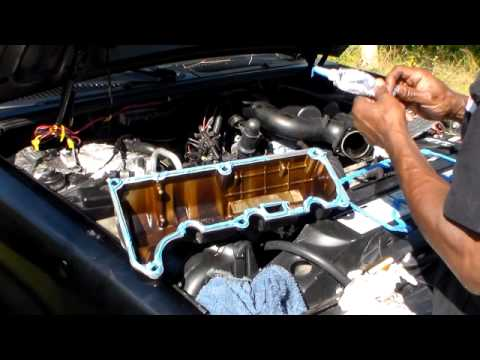 How To Replace The Valve Cover Gaskets On A 98 Ford Exploer Part 2