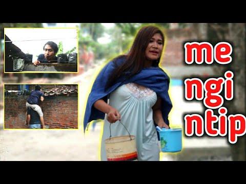 Ngintip Tante Lagi Mandi😁 - film pendek jowo komedi