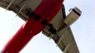 Download Video Virgin Blue 737 Landing at Melbourne Airport MP3 3GP MP4