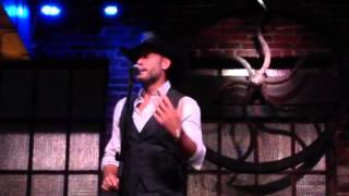 Tim Mcgraw Takes The Stage And Forgets The Words!