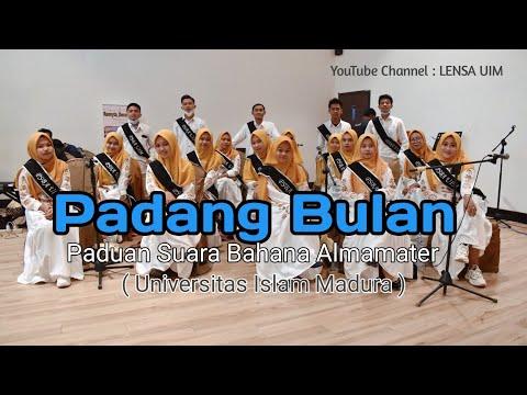 PADANG BULAN | Lagu shalawat dilantunkan PSBA-UIM dalam acara Wisuda UIM Pamekasan | Lensa UIM