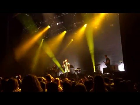 Chet Faker - Cigarettes & Loneliness (LIVE)