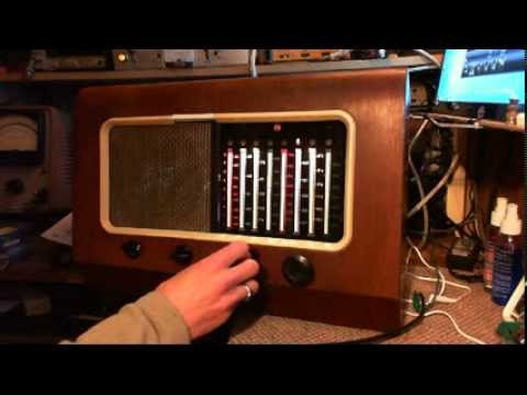 Antique Tube Radio Canadian PYE 39 Video #1 - Checkout and Tuneup