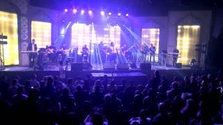 נאור  אורמיה בהופעה בהאנגר 11