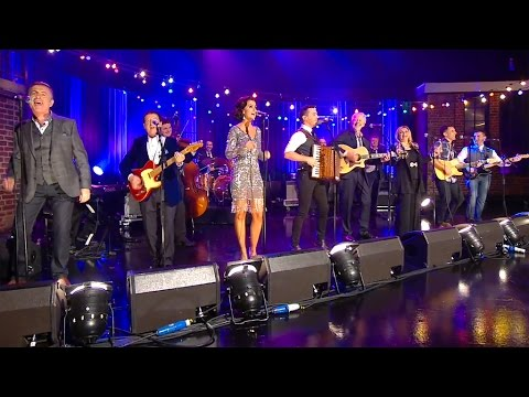 Nathan Carter and the All Star Band - Wagon Wheel | The Late Late Show | RTÉ One
