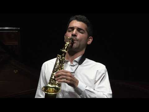 George Gershwin - Rhapsody in Blue (sax piano version) / Manu Brazo - Prajna Indrawati