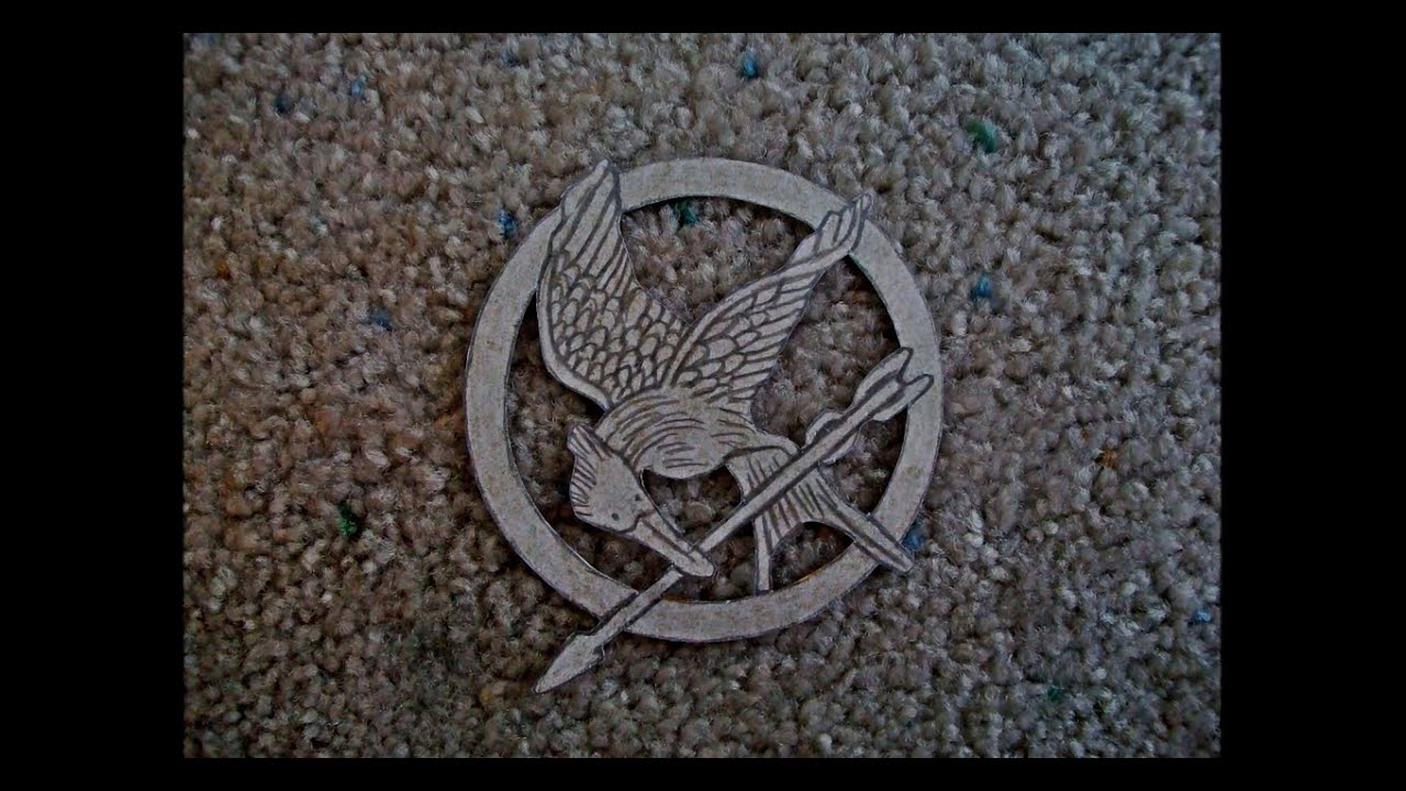 Papercraft Paper Model of the Mockingjay from