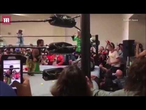Home Alone character at pro wrestling FY V 2017 c
