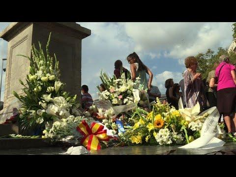 Attentats de Catalogne: hommage aux victimes sur les Ramblas