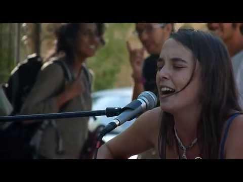 Sílvia Tomás - Santiago De Chile (cover Silvio Rodriguez) - Marcha Popular Indignada