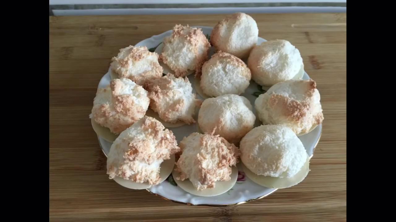 Weihnachtsplätzchen Kokosmakronen.Kokosmakronen Kokosgebäck Kokosnuss Plätzchen