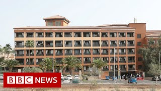 Coronavirus: Britons among hundreds quarantined in Tenerife hotel - BBC News