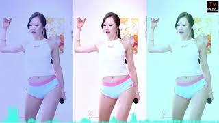 Gái Xinh nhảy Remix | Chúng Ta không Giống Nhau | DJ |
