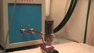 Индукционная пайка трубы из нержавеющей стали(Индукционная пайка трубы из нержавеющей стали в среде водорода. Припой - аморфное железо. Подробности..., 2013-01-05T09:33:19.000Z)