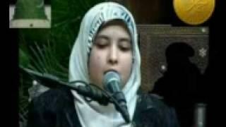 سمية الديب تجود القرآن تجويدا مدهشا
