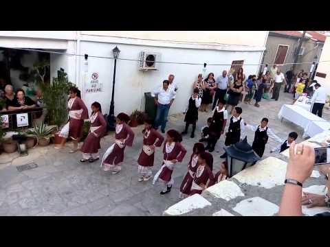 Traditional Cyprus dance 3