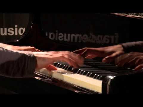 Schubert : Impromptu Op. 142 n°2, par Adam Laloum