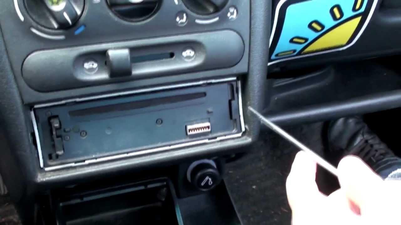 Profesionální demontáž Sony rádia z Opel Tigra - Nova Era 21.6.2011 ...