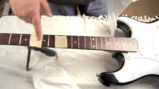 How to Clean Your Guitar Frets  (Gorgomyte Demo)