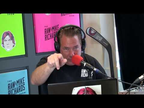 RMR Episode70 - Elvis' Awkward Backstage Moment