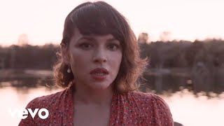 Watch Norah Jones Miriam video