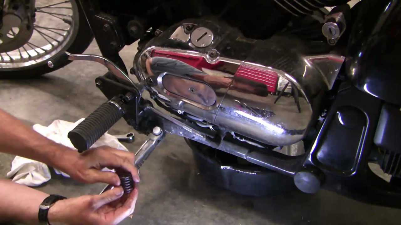 how to change motorcycle oil, kawasaki vulcan - youtube