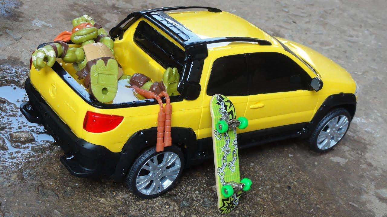Novas Miniaturas Fiat Strada Adventure 2016