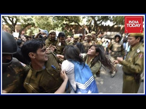 DU Law Students File PIL Against Police Action At Ramjas College