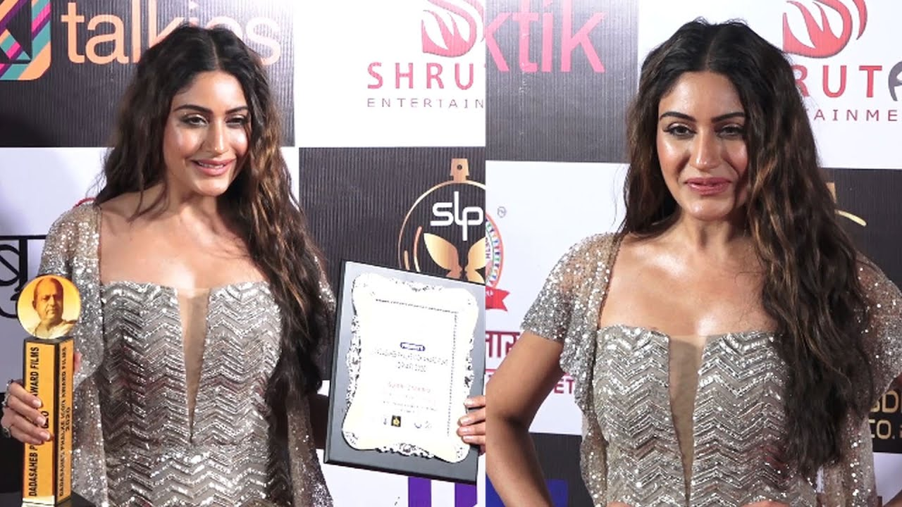 Surbhi Chandna Got Best Actress Award In Dada Saheb Phalke Icon Awards 2020