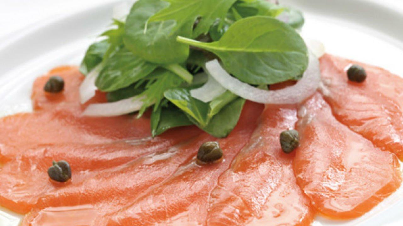 Receta de tartaletas de salm n ahumado con alcaparras for Canape de salmon ahumado