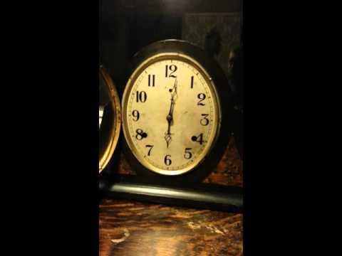 1928 Gilbert tambour mantel clock