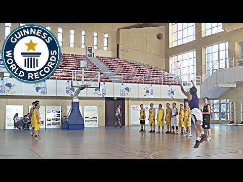 Most consecutive basketball half-court shots - Guinness World Records