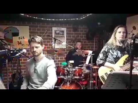 Amsterdam Cora - Cover Band MOMENTAN