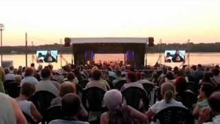 Hubert von Goisern: Linz Europa Tour East