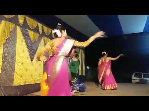 Dance: Sunala Sunala Balika by Ankhi Karmakar & her group