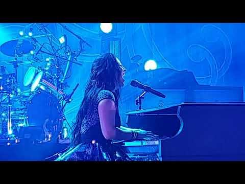 Amy Lee - Evanescence  - Lithium ( Концерт в Минске 2019 - Live in Minsk) 4K