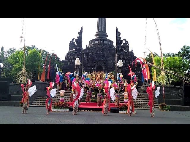 Balerung Stage Peliatan / Indonesia Satu / Tari Damai