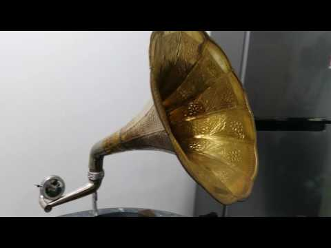 Gramaphone Company Ltd  '' His Master's Voice '' on Sat 3rd Sept 2016.