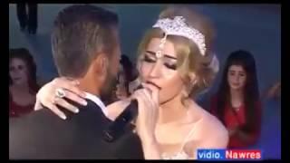 عروس تغني بليلة زفافها اغنية سنوات الضياع قمة في الرومانسية