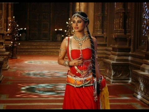 Naagin - 9th April 2016 : Sesha Starts Feeling for Hrithik thumbnail