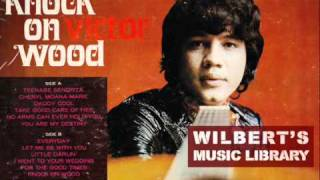 Gambar cover LET ME BE WITH YOU (1971 version) - Victor Wood