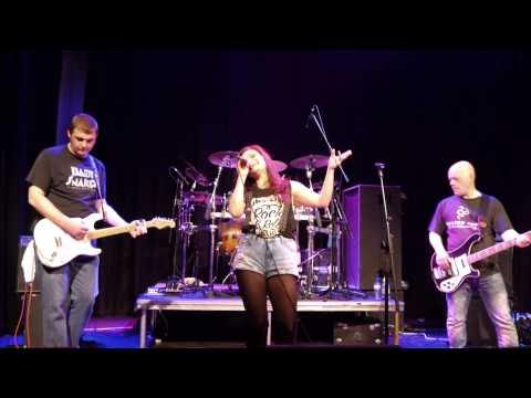 Laura James & The Kadavors - Lay Alone (live demo)