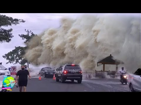Ngerinya Ombak Besar di Manado!! Bak T5UN4M1 Menerjang, Mall Tergenang Air...